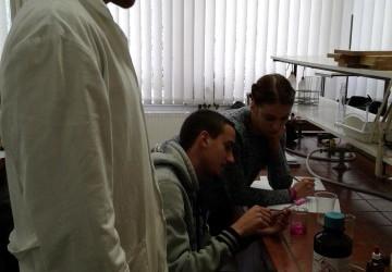 Polimeri v šolskem laboratoriju